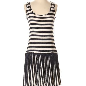 200$ OFF!  dress navy ivory pleated size 2